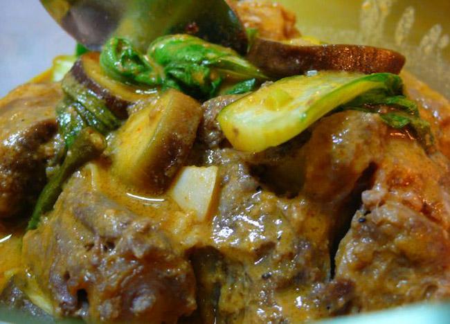 Filipino Kare Kare (Ox Tail and Peanut Stew)