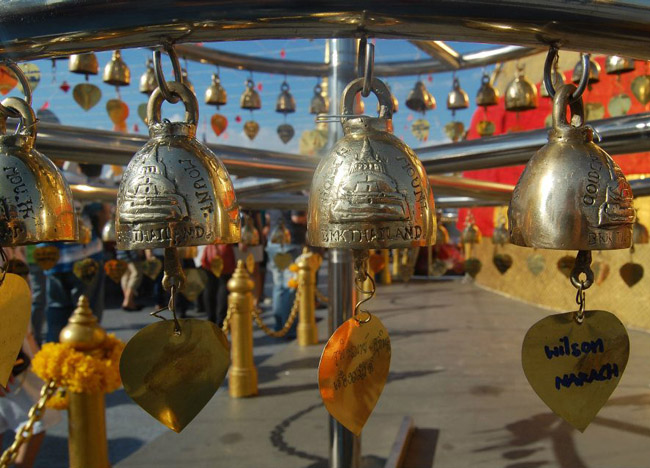 Nine Temple Tour - Thai New Year Tradition - Family Wishes Golden Mount Bangkok