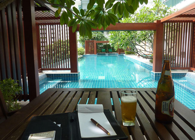 A Day in the Office, Moving to Thailand Guide, Lifestyle Design in Bangkok