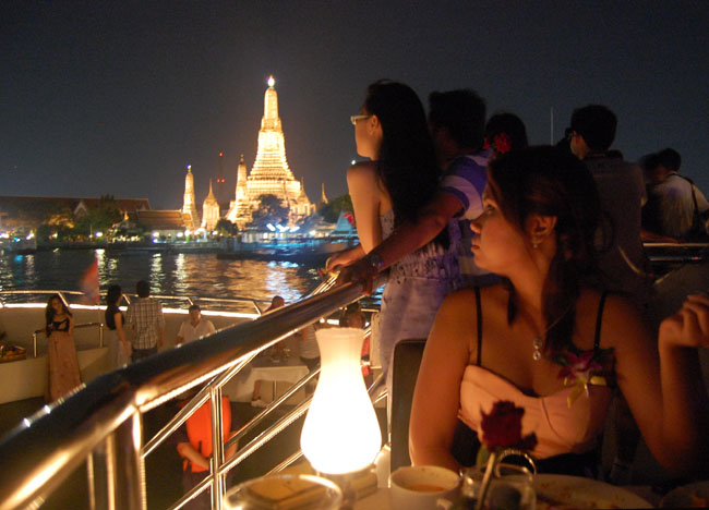 Bangkok Dinner Cruise Romantic Valentines Life In