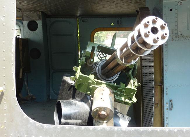 machine gun live