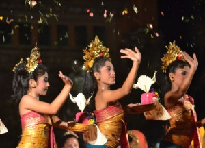 Legong Dance, Cafe Lotus, Best Restaurants in Ubud Centre, Bali Food