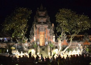 Pura Saraswati, Cafe Lotus, Best Restaurants in Ubud Centre, Bali Food