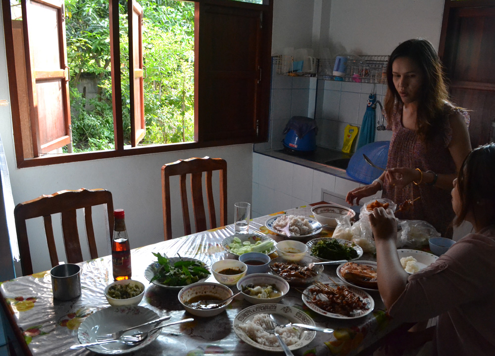 Family Breakfast, Living in Thailand, Nang Rong, Simple life Rural Thailand