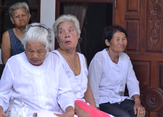 Local Grannies, Living in Rural Thailand, Isaan North East Thailand