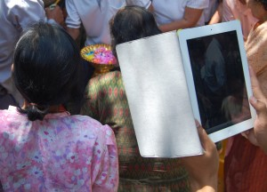 Photography with iPad, Travel Blogging with Ipad, Tablets, Southeast Asia