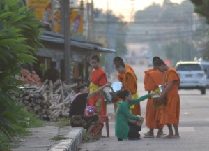 Early Morning Monks, Cheapest Thai VISA Runs from Bangkok Thailand