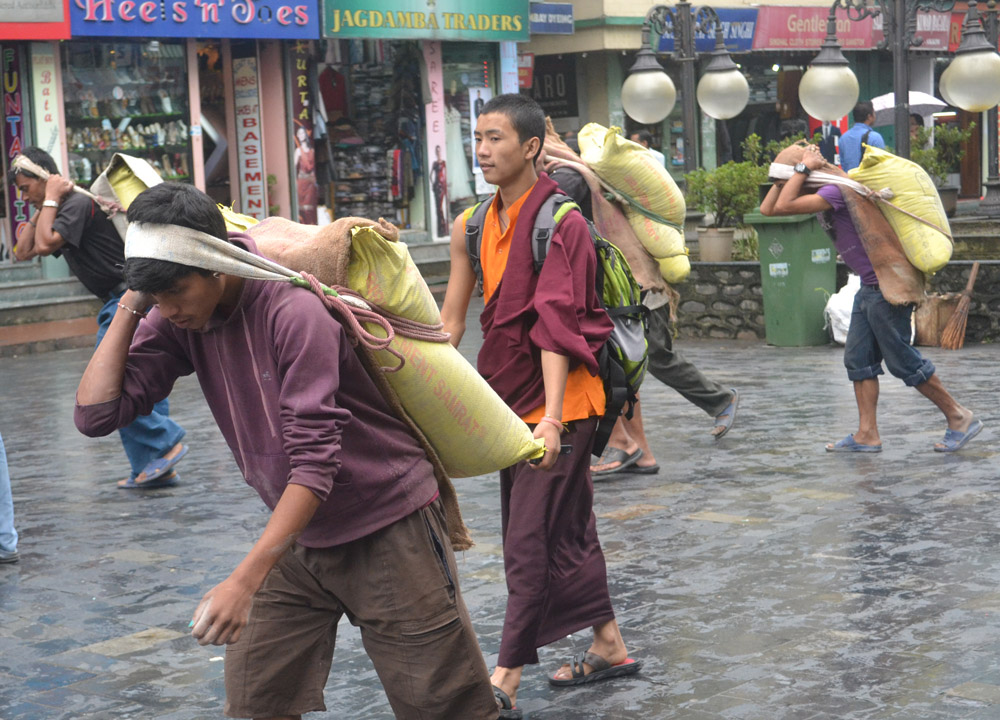 Baggage Porters, Gangtok, Sikkim, Travel in Indian Himalayas, Asia