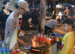 Street Food Grills, Hanoi Night Market, Hang Dao, Weekend Nightlife