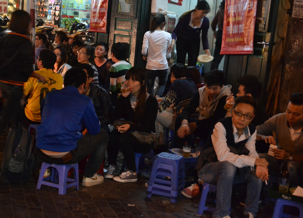 Bia Hoi Beer Corner, Hanoi Night Market, Hang Dao, Weekend Nightlife