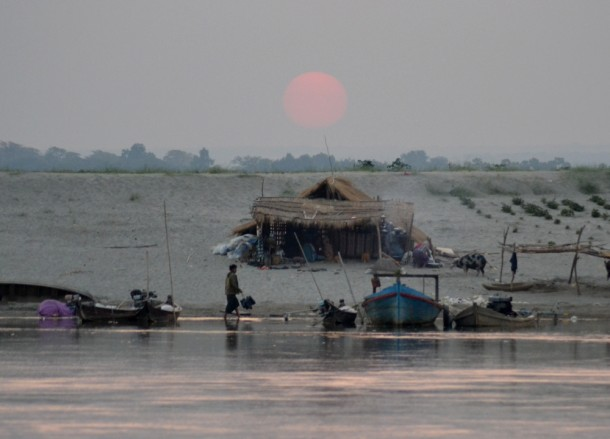 Sunrise and Local Life, Bagan to Mandalay by Boat, Irrawaddy River Cruise