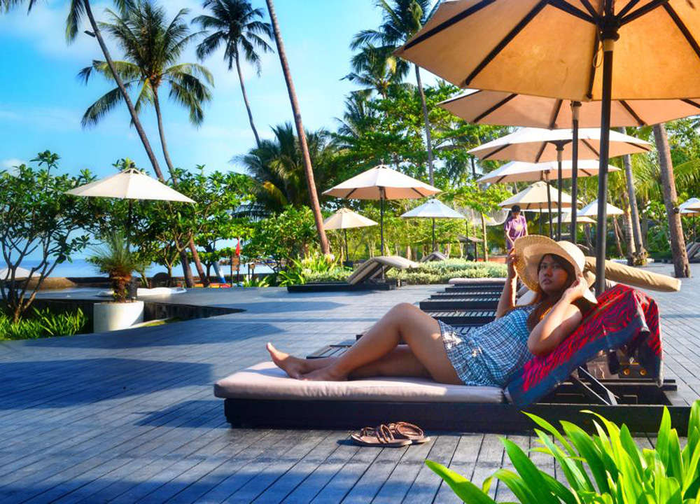 Luxury resort at mercure hideaway live less ordinary for Luxury hotel for less