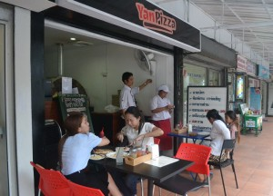 Streetside Pizza Shop, Street Food Pizza, Yan Pizza, Sukhumvit 23