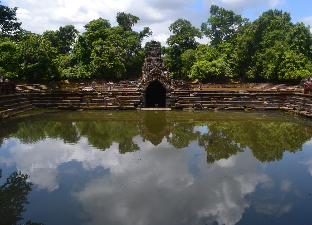 An Introduction To Angkor And The Two Day Tours Cambodia
