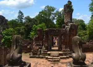 Ancient Lion Statues, Introduction to Angkor Wat Two Day Tours