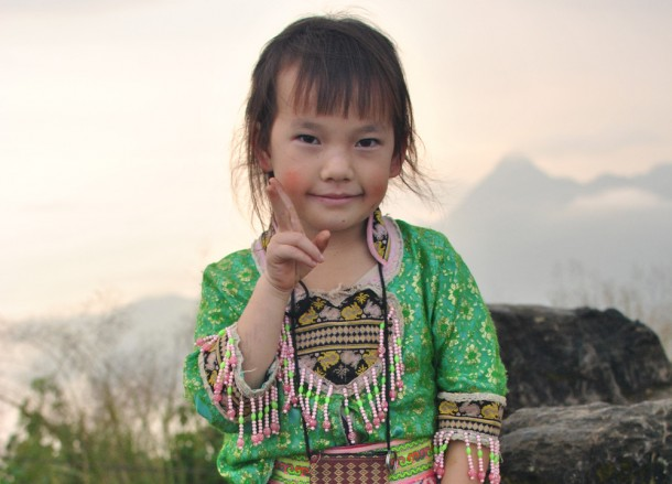 Young Girl Traditional Dress, Top 10 Chiang Rai Attractions Thailand