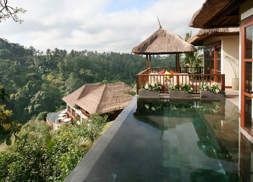 Top 10 ubud resorts pool villas and spas in central bali for Great hotels in bali