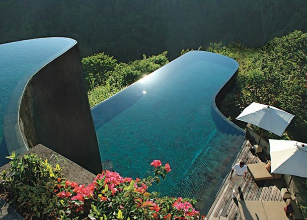 Top 10 ubud resorts pool villas and spas in central bali for Ubud hanging gardens swimming pool price