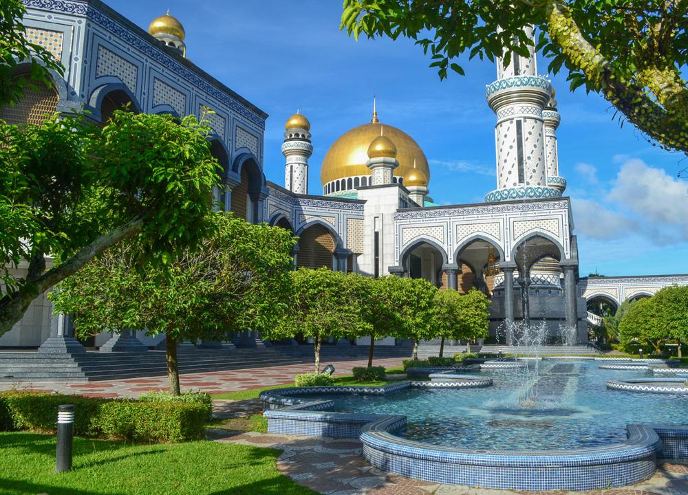 Sultan Omar Mosque, Top Attractions in Brunei
