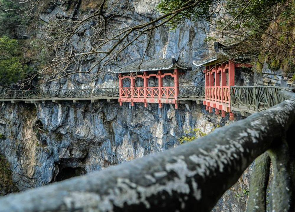 Walkways At Tianmen Mountain In Zhangjiajie Live Less