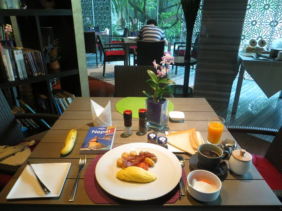 Breakfast at Maduzi Hotel Bangkok Review Asoke