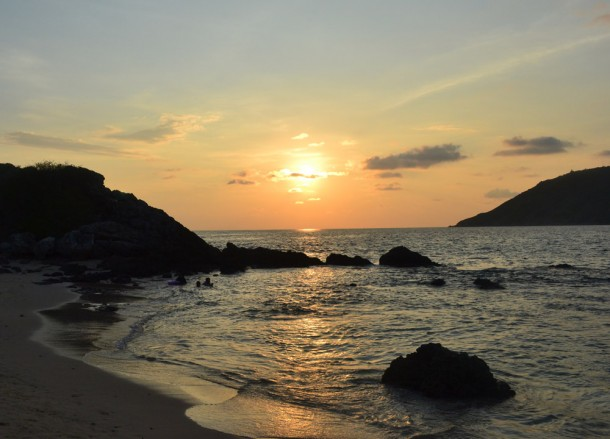 Random Sunsets, Rehabs in Thailand. Reviews and Costs