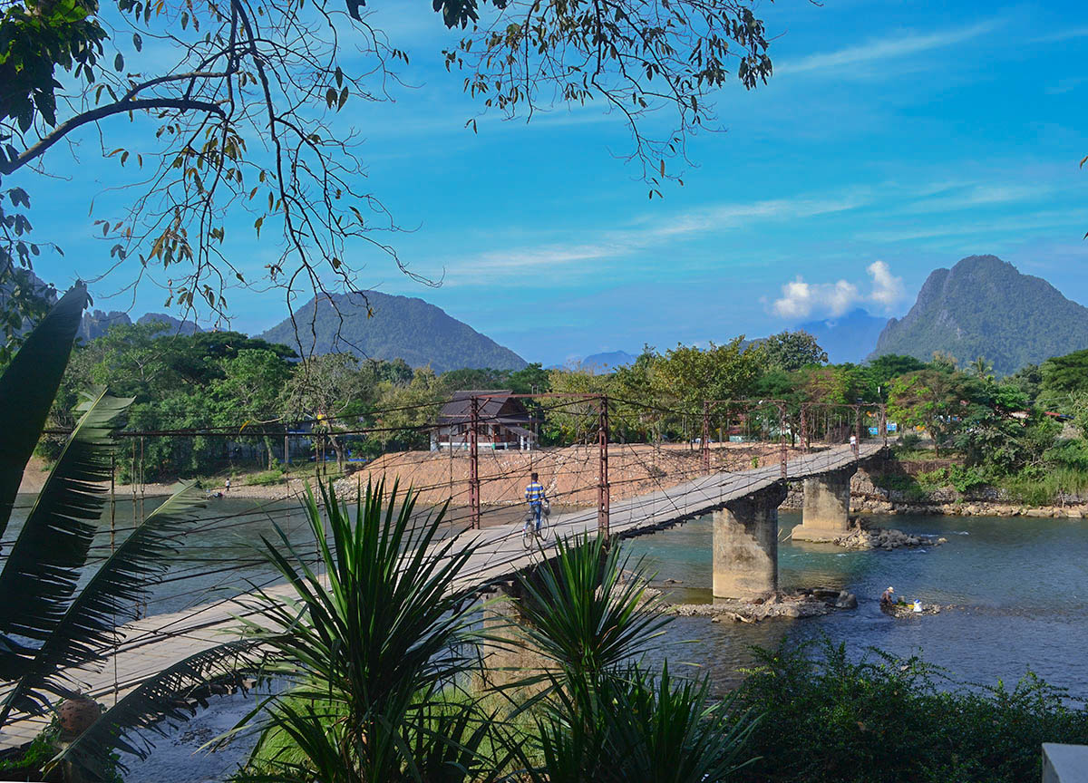 Toll bridge luxury vang vieng hotel riverside boutique resort spa