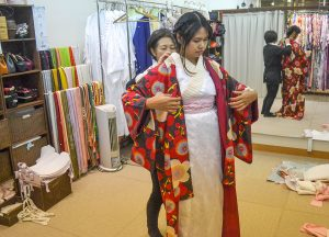Kimono Hire Osaka, JR Japan Rail Pass Travel in Winter February Snow