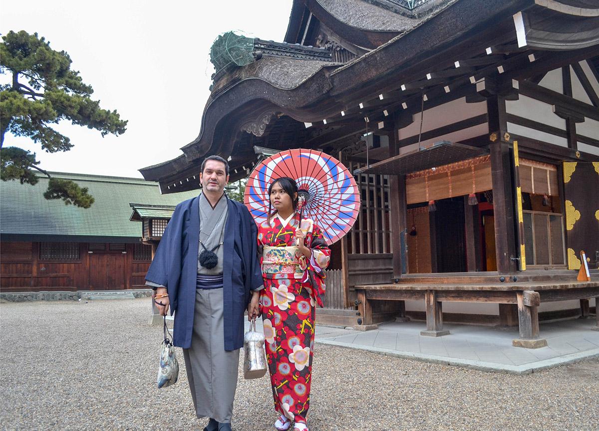 Traditional Kimono Rental in Osaka Japan (Kimono Rental Wargo)