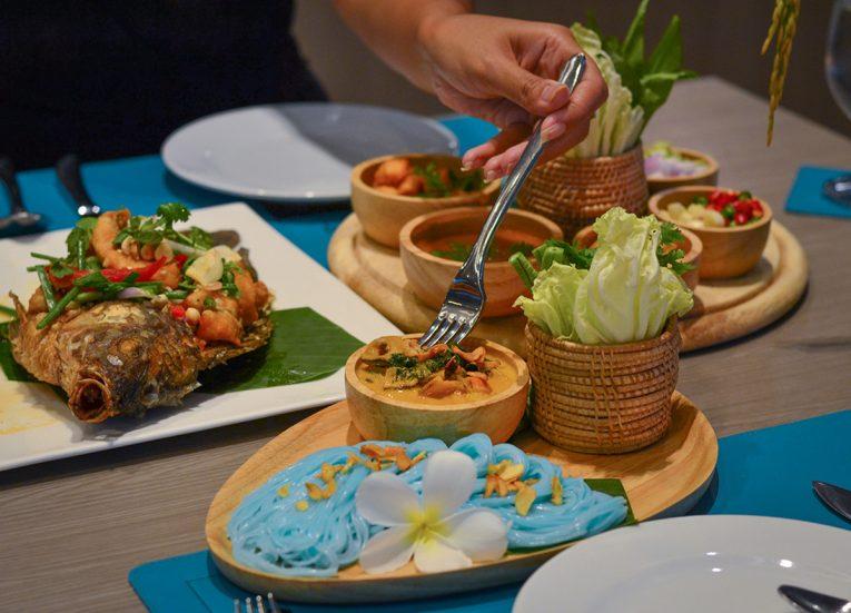 4K Cafe Restaurant, X2 Vibe Buriram Hotel Isaan Northeastern Thailand