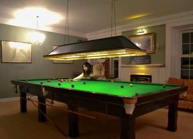 Hotel wt Snooker, Winter Road Trip in the Scottish Highlands Snow Scotland