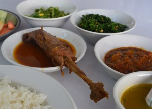 Burmese Chicken Curry, Top Burmese Food, Eating Myanmar, Burma